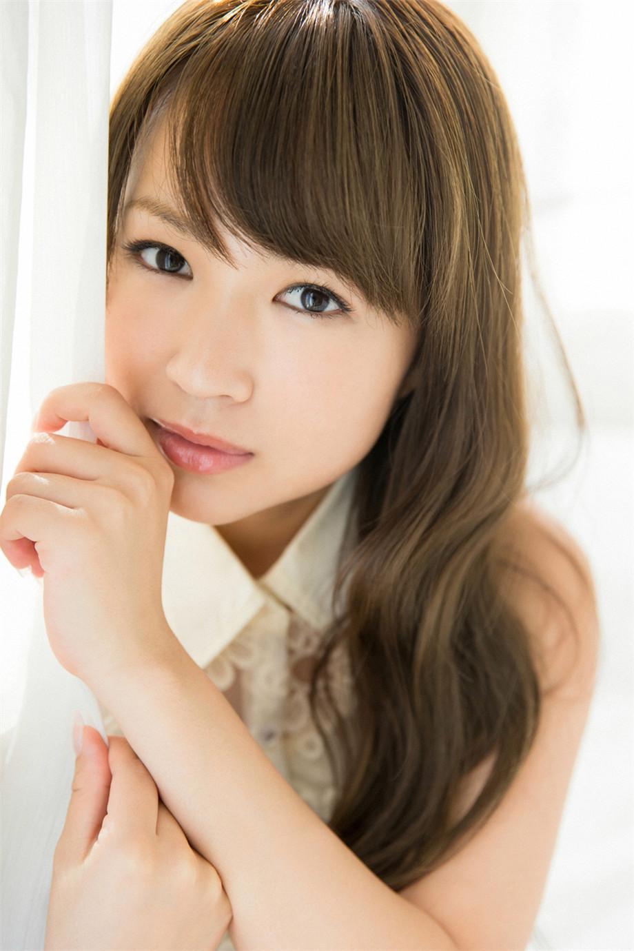 谷泽恵里香性感写真,日本女团的成熟美女