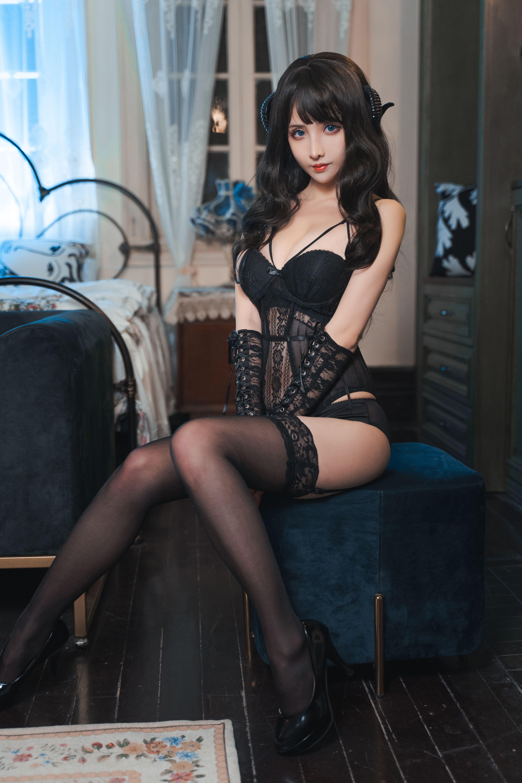 rioko凉凉子魅魔写真,来自恶魔系性感美女