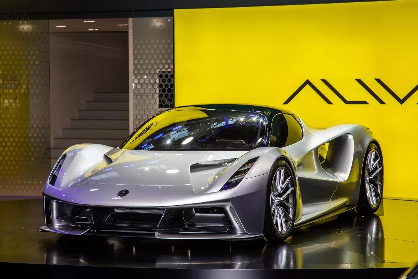 莲花Evija的速度甚至已经远超法拉利和布加迪的一些车型
