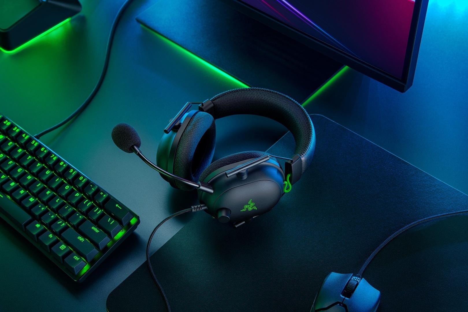 雷蛇推出新电竞耳机「雷蛇 BlackShark V2」 搭载HyperClear 心型指向性麦克风