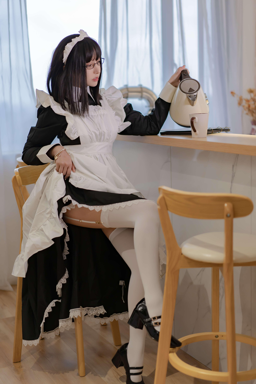 过期米线线喵女仆长写真,随时为您待命