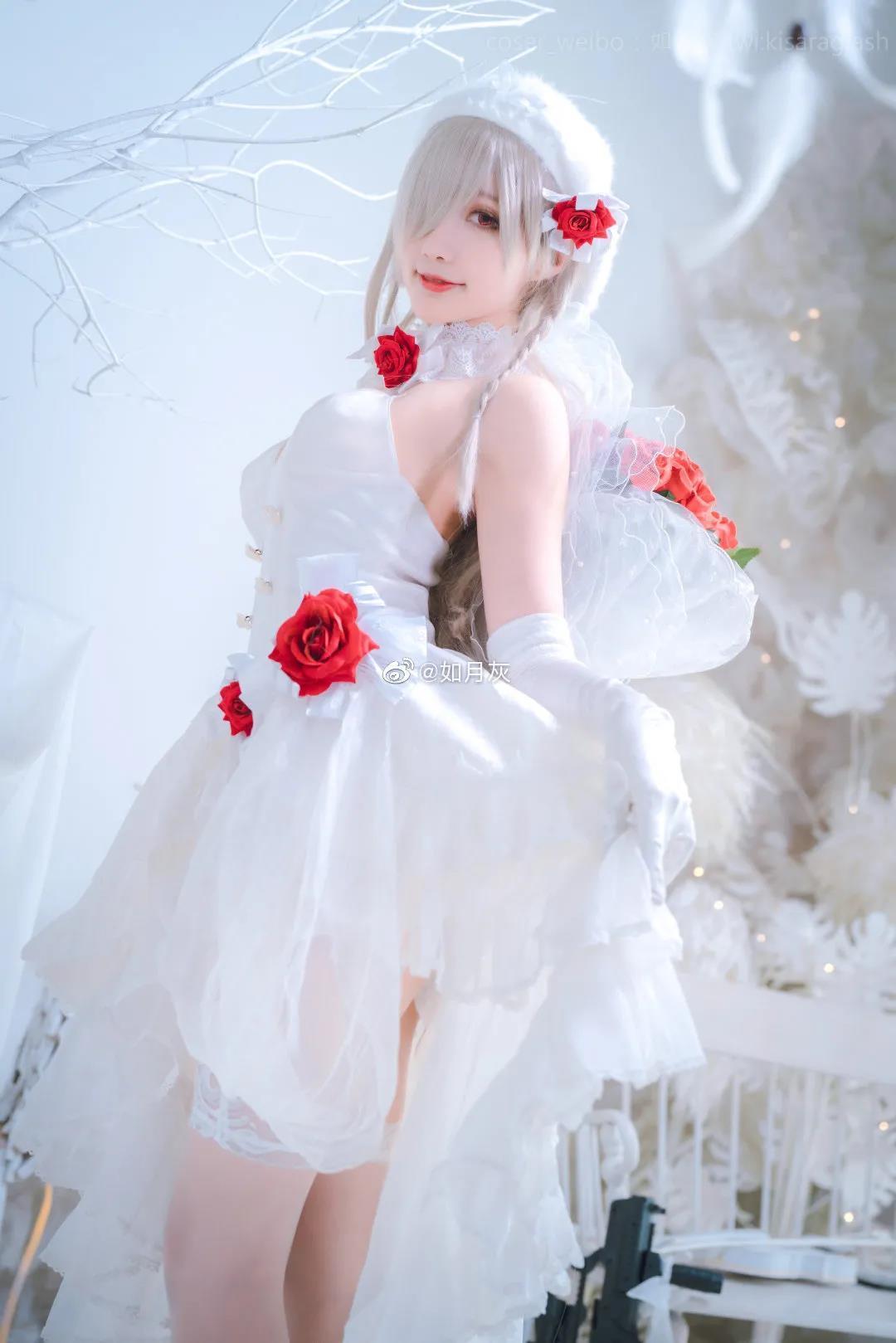 如月灰COS《少女前线》G36写真,白色礼服战斗女骑士