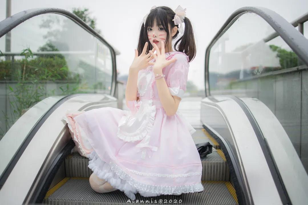 小奶糕Milky白丝洛丽塔写真