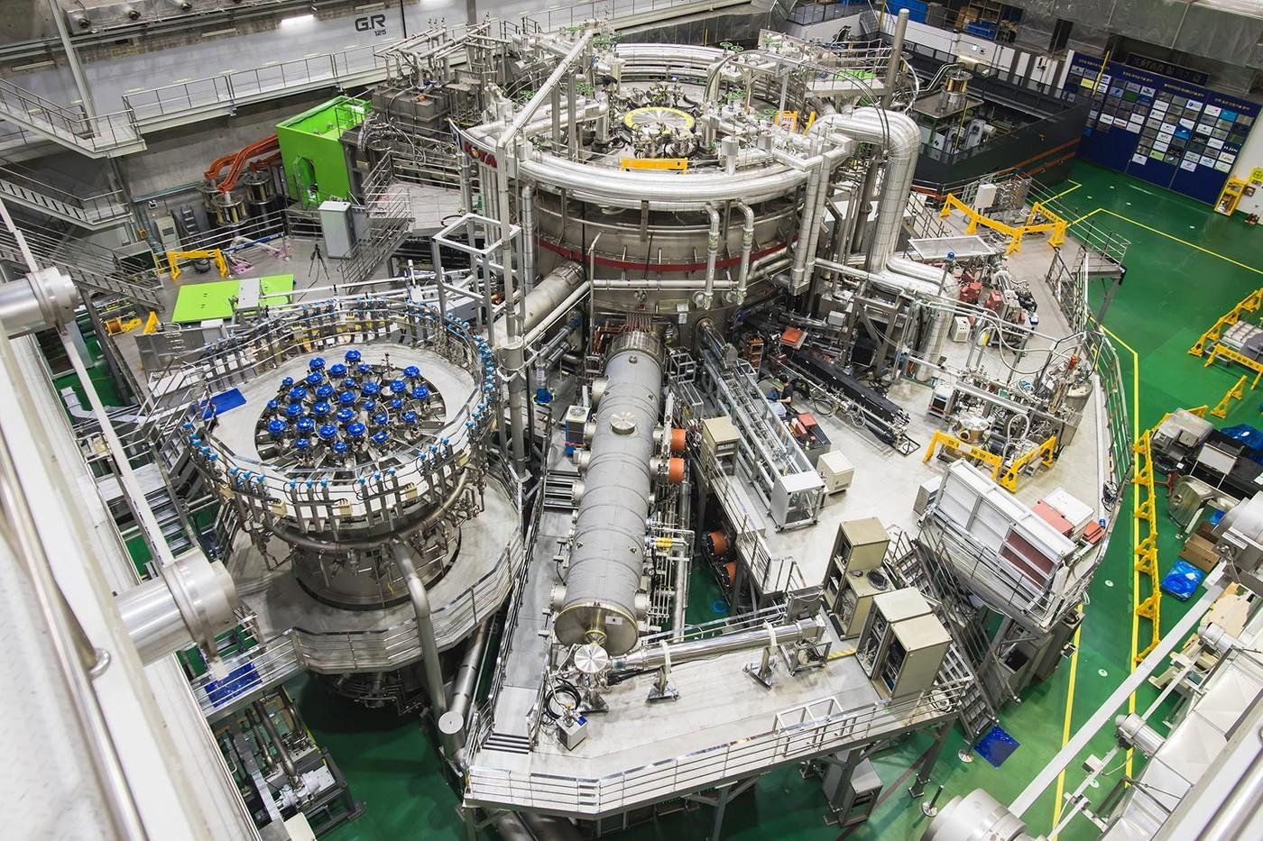 韩国核融合实验装置 KSTAR 之「1 亿℃人造太阳」正式宣布成功运行