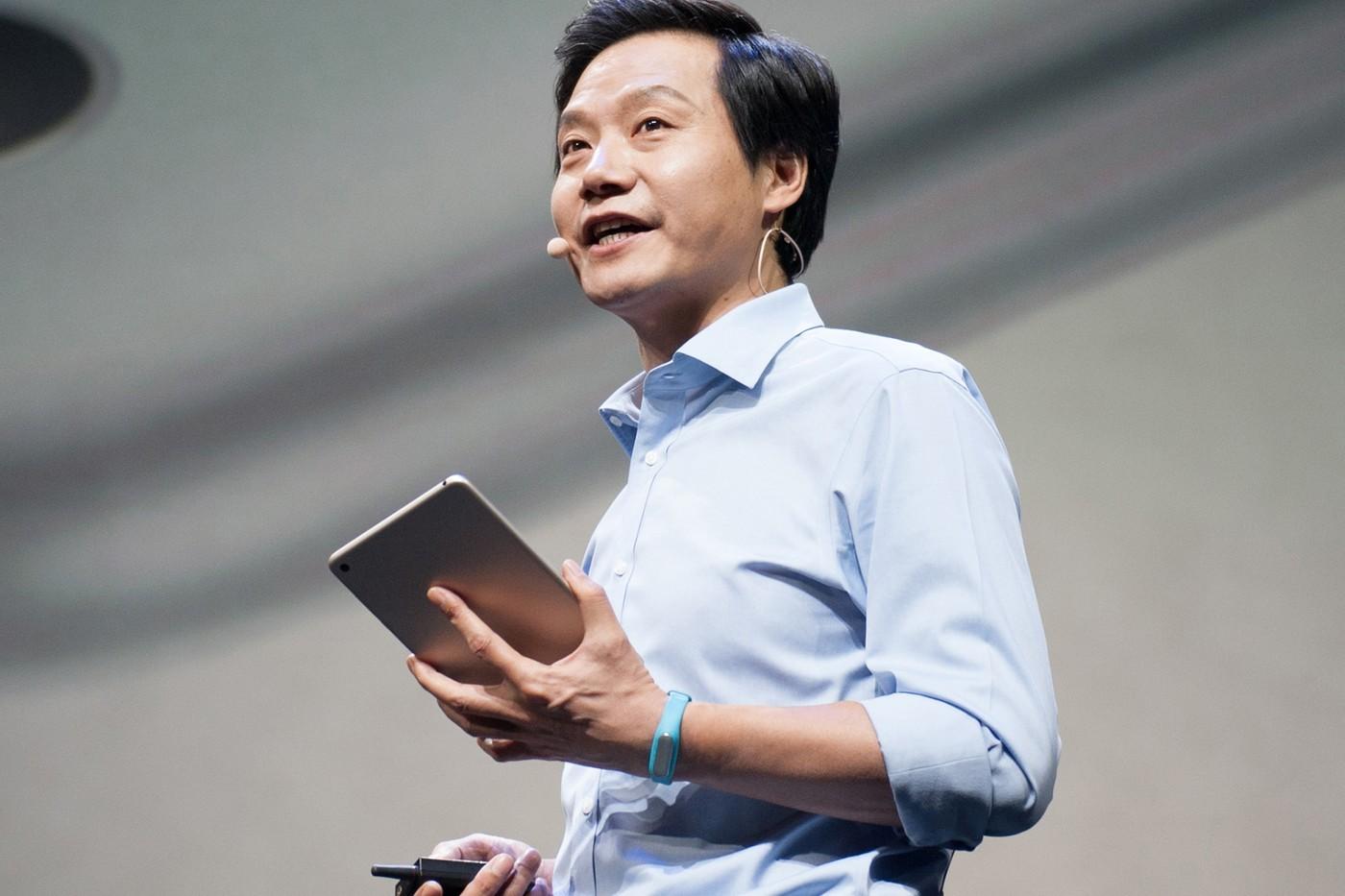 小米科技CEO雷军亲自宣布全新手机 Mi 11 将不随附充电器