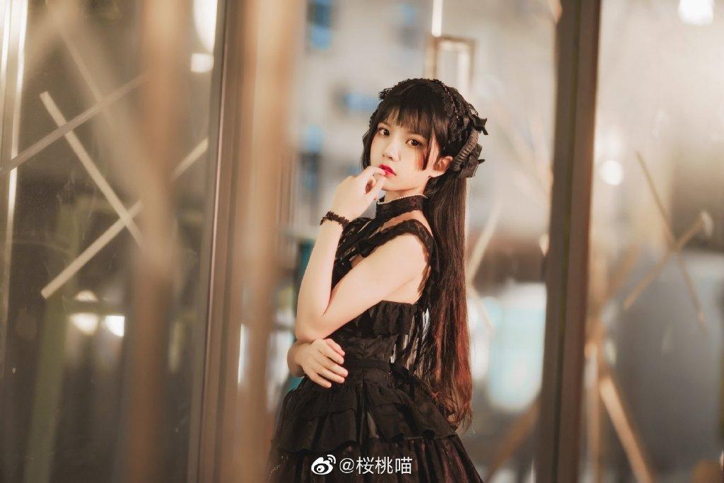 桜桃喵黑纱裙写真,感受绝美容颜