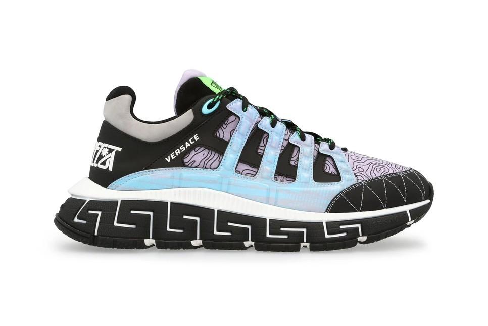 范思哲发布的Trigreca运动鞋带有格蕾图案