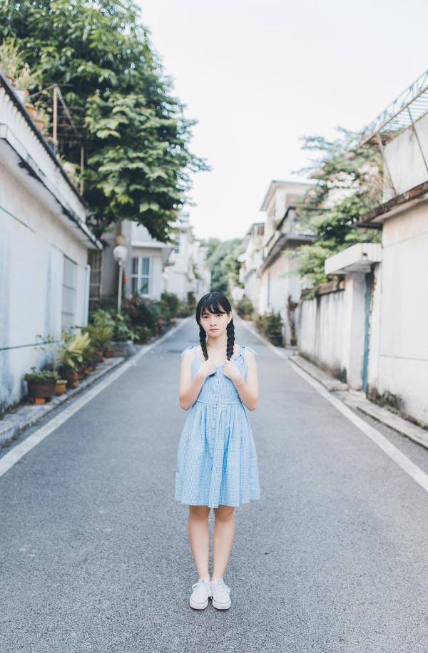 妹子摄影 – 20岁的某一天,麻花瓣长裙_图片 No.3