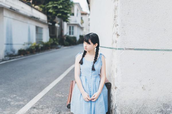 妹子摄影 – 20岁的某一天,麻花瓣长裙_图片 No.4