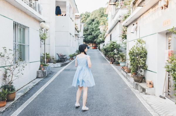 妹子摄影 – 20岁的某一天,麻花瓣长裙_图片 No.6