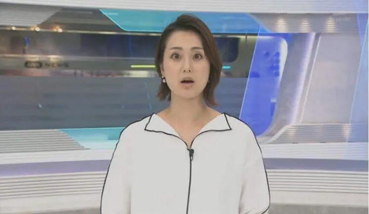 骚操作!日本新闻女主播的衣服居然是画上去的!_图片 No.4