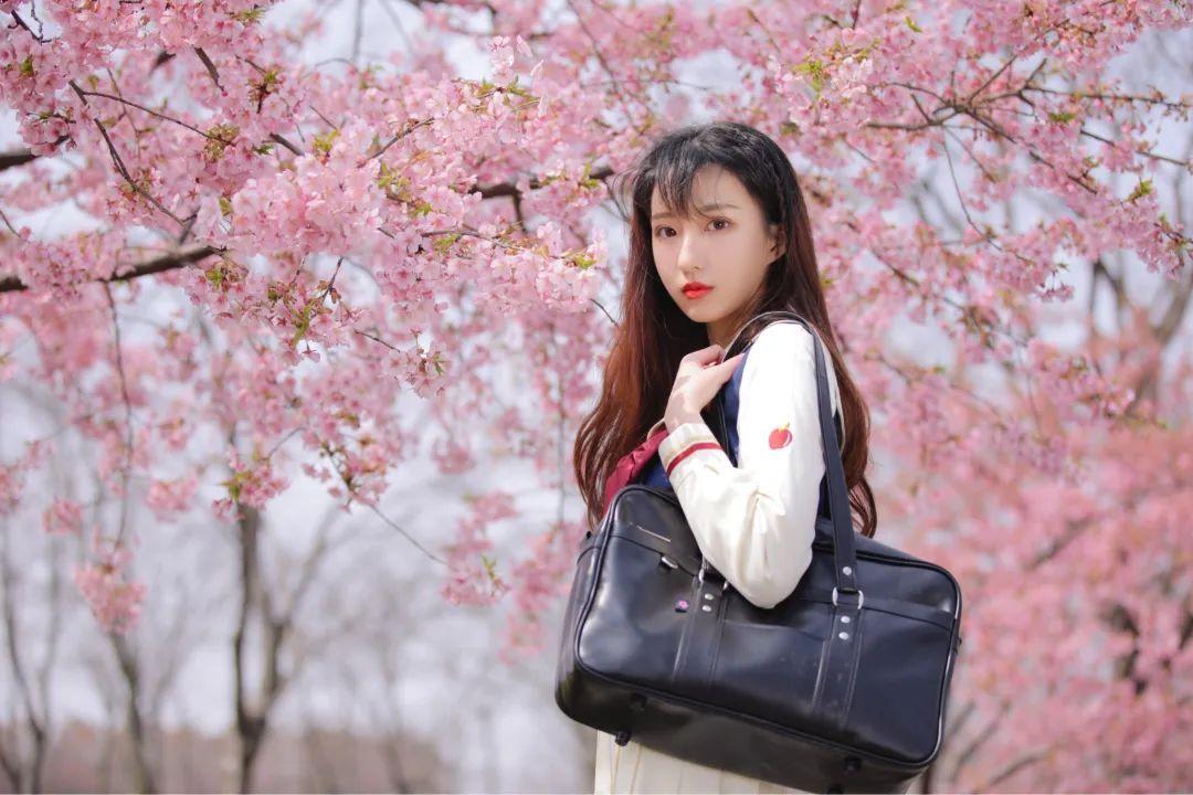 妹子摄影 – 粉粉的日系少女樱花树下写真_图片 No.1