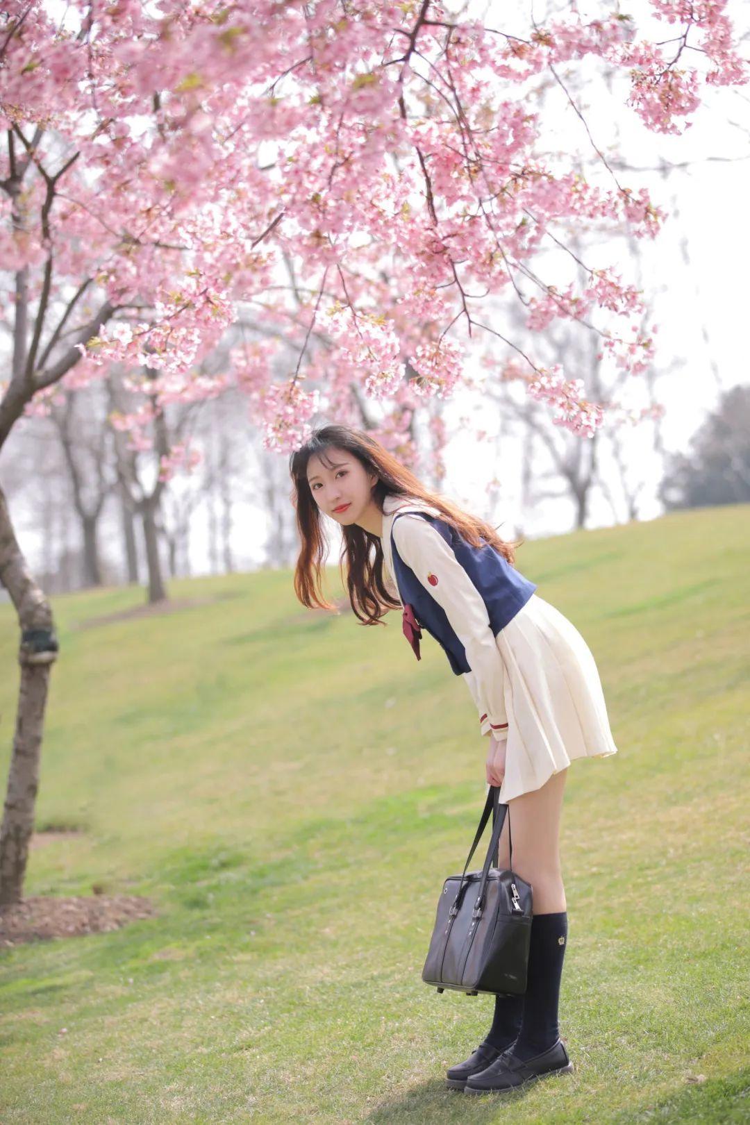妹子摄影 – 粉粉的日系少女樱花树下写真_图片 No.32