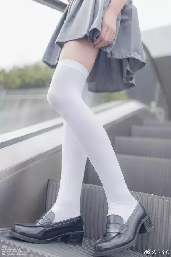 妹子摄影 – 各色少女的美腿合集_图片 No.1