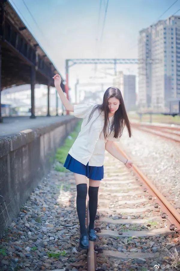 妹子摄影 – 各色少女的美腿合集_图片 No.2