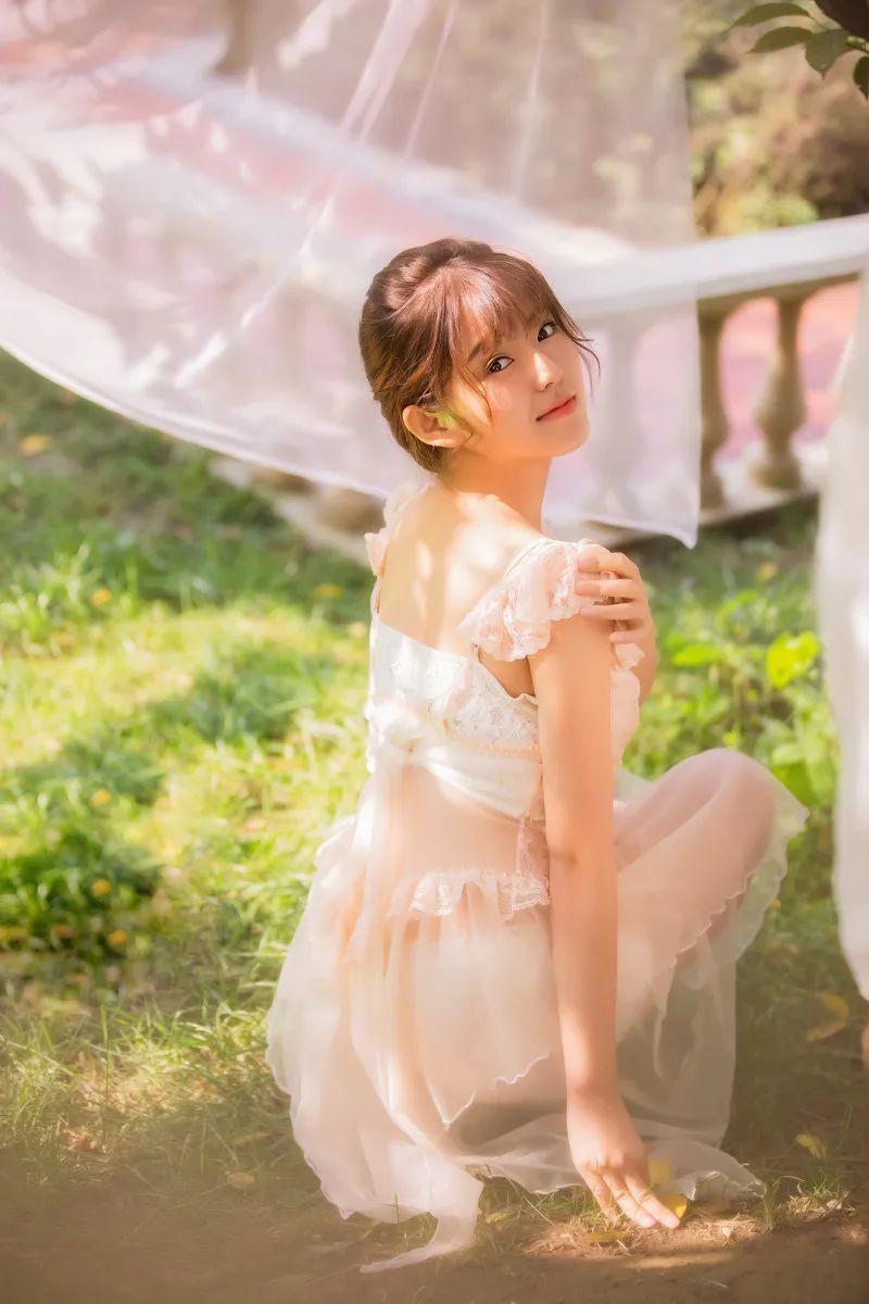 妹子摄影 – 甜美公主裙软萌少女_图片 No.2