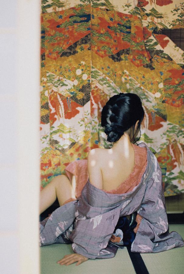 妹子摄影   穿着和服香肩露的仕女 - [leimu486.com] No.1