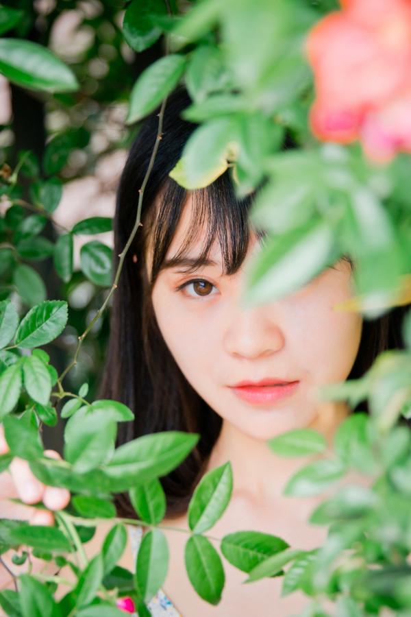 妹子摄影 –花儿与长裙少女_图片 No.3