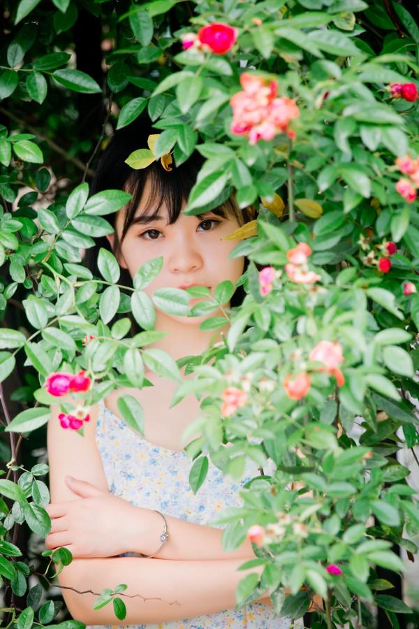 妹子摄影 –花儿与长裙少女_图片 No.5