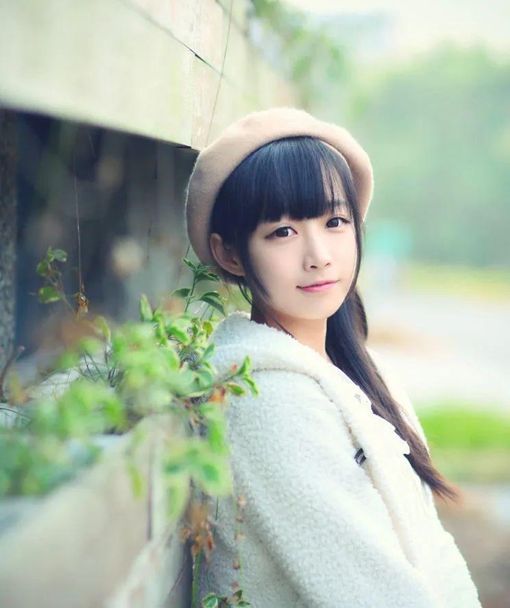 妹子摄影 – 童心未泯的白丝青春少女,嘟嘴太可爱了_图片 No.5