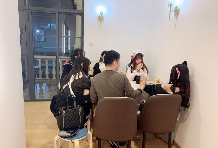 上海知名小姐姐公馆「37°2空间女仆公馆」被查封, 49.9一小时随便玩!_图片 No.7