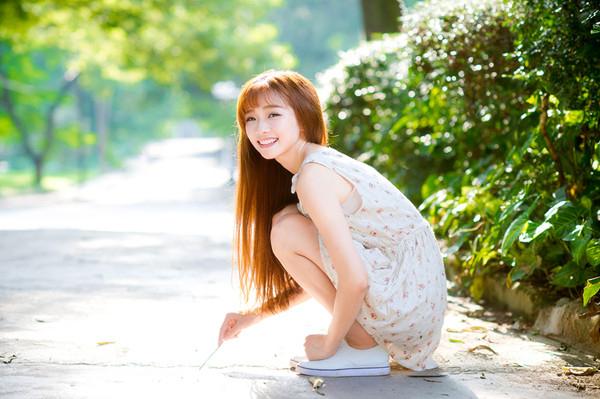 妹子摄影 – 碎花连衣裙 美腿邻家妹子_图片 No.7