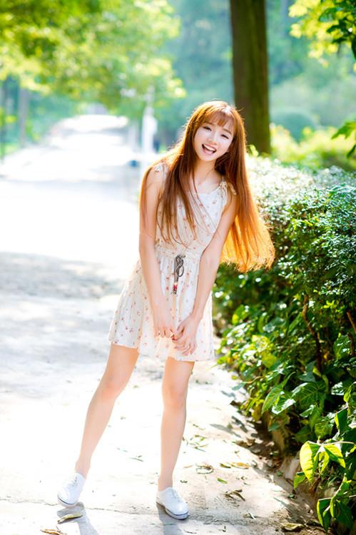 妹子摄影 – 碎花连衣裙 美腿邻家妹子_图片 No.8