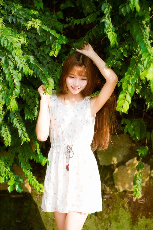 妹子摄影 – 碎花连衣裙 美腿邻家妹子_图片 No.9