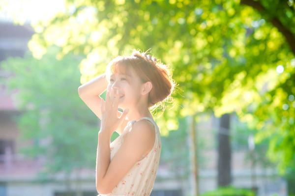 妹子摄影 – 碎花连衣裙 美腿邻家妹子_图片 No.12