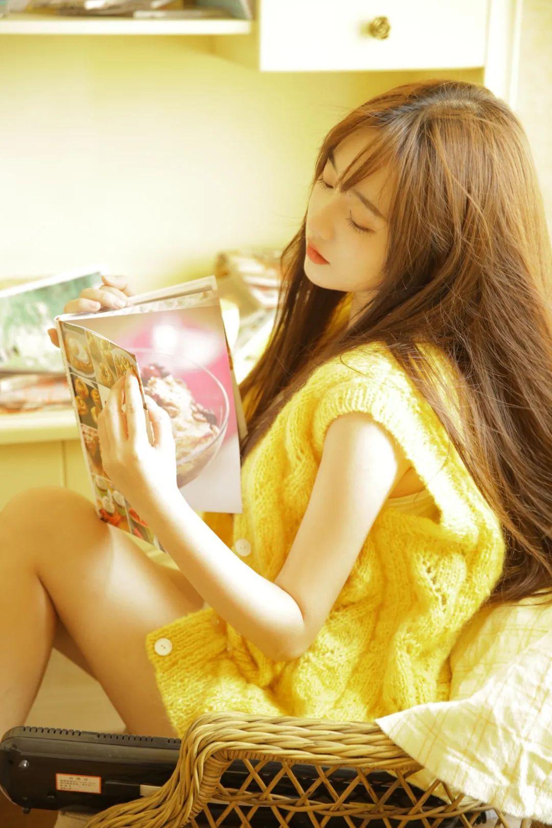 妹子摄影 – 淡黄的毛衣,修长的玉腿,治愈系美少女_图片 No.5