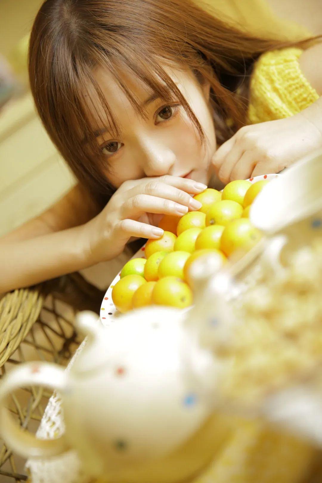 妹子摄影 – 淡黄的毛衣,修长的玉腿,治愈系美少女_图片 No.6