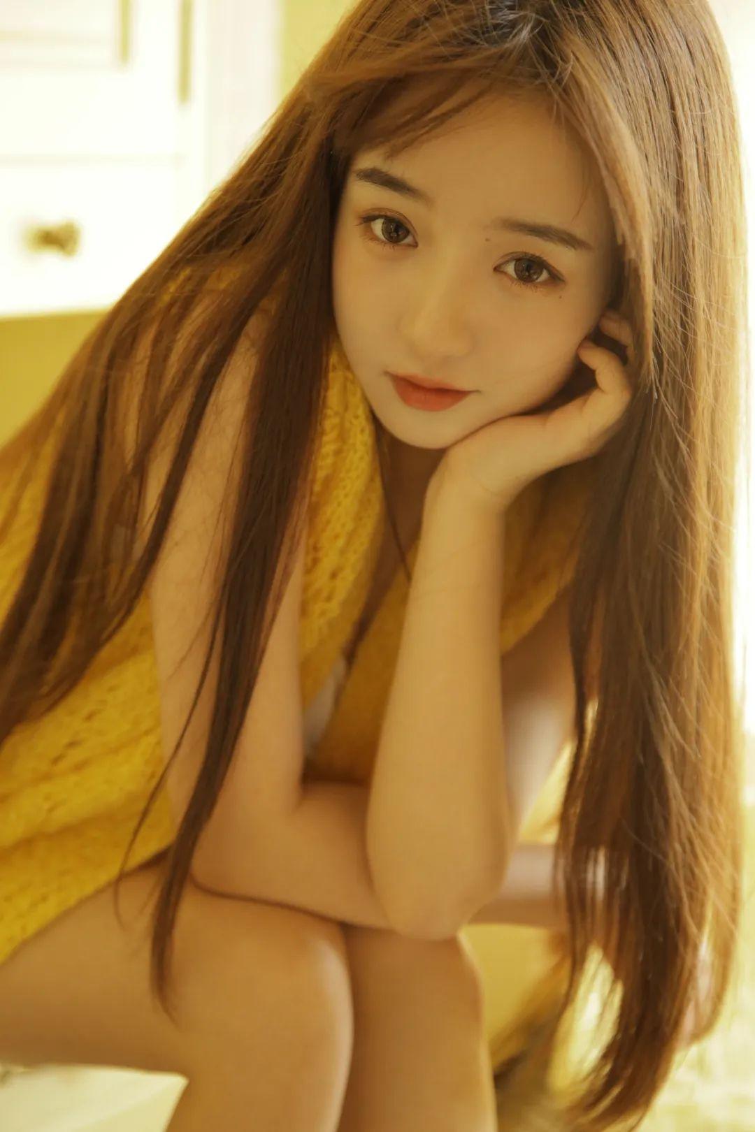 妹子摄影 – 淡黄的毛衣,修长的玉腿,治愈系美少女_图片 No.7