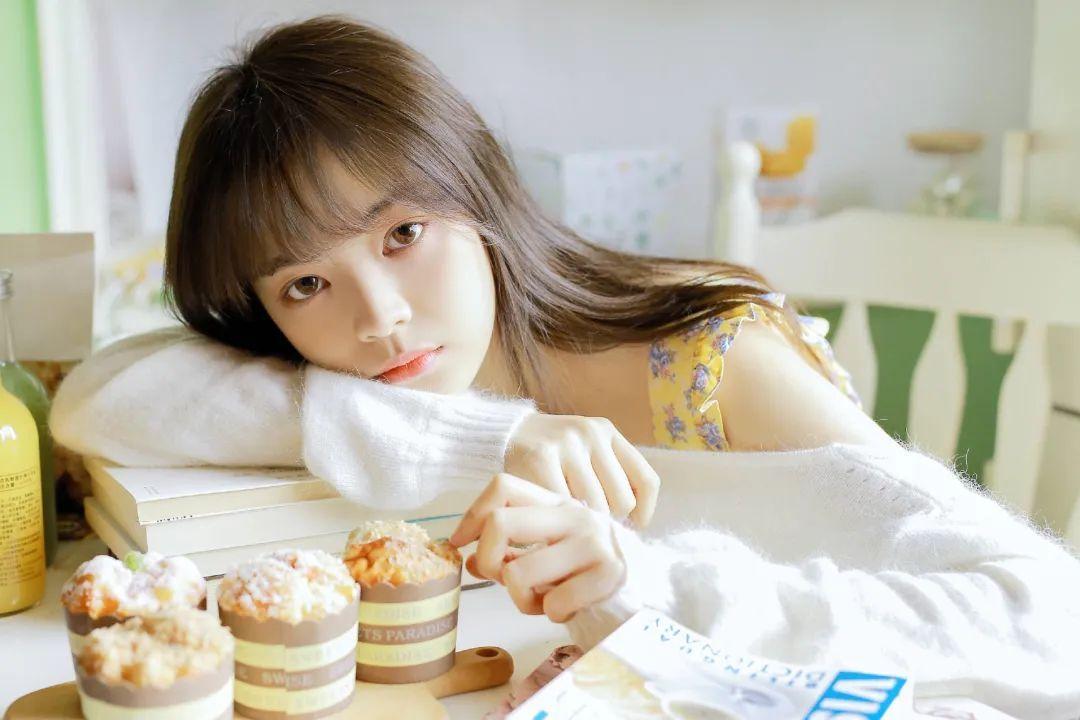 妹子摄影 – 青春少女白色小腿袜_图片 No.5
