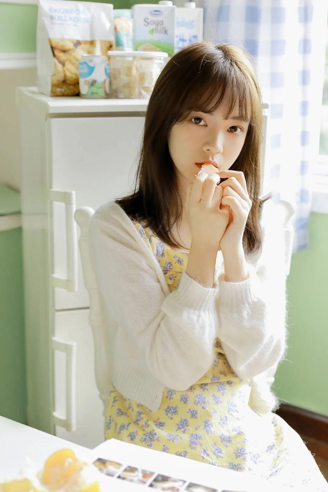 妹子摄影 – 青春少女白色小腿袜_图片 No.9
