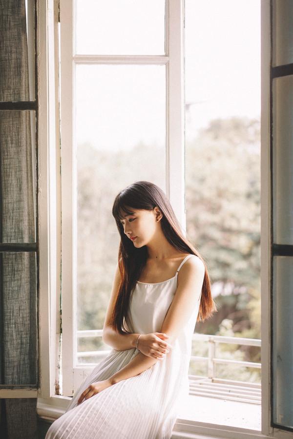 妹子摄影 – 写真集旧时光,连衣裙少女清清浅浅的笑意_图片 No.4