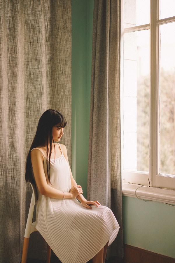 妹子摄影 – 写真集旧时光,连衣裙少女清清浅浅的笑意_图片 No.8