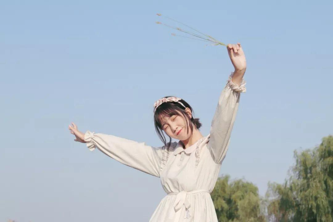 妹子摄影 – 白丝袜连衣裙少女和JK制服元气女孩_图片 No.1