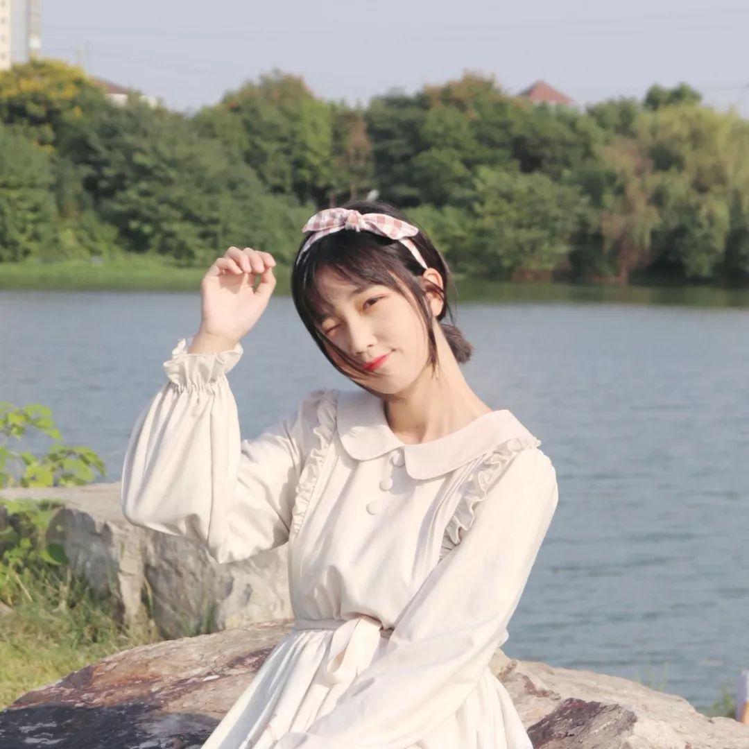 妹子摄影 – 白丝袜连衣裙少女和JK制服元气女孩_图片 No.3