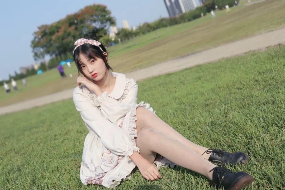 妹子摄影 – 白丝袜连衣裙少女和JK制服元气女孩_图片 No.6