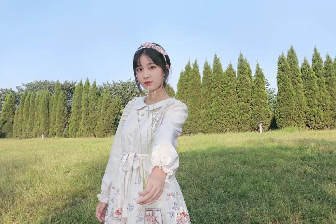 妹子摄影 – 白丝袜连衣裙少女和JK制服元气女孩_图片 No.8