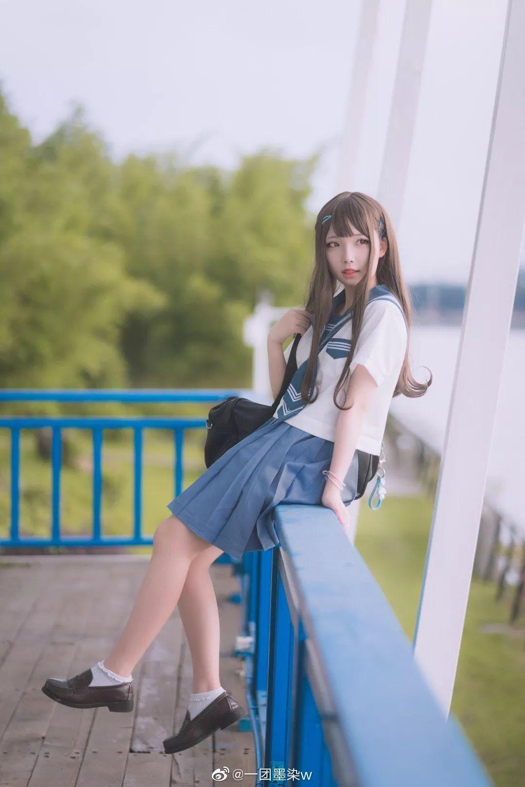 妹子摄影 – 白丝袜连衣裙少女和JK制服元气女孩_图片 No.10