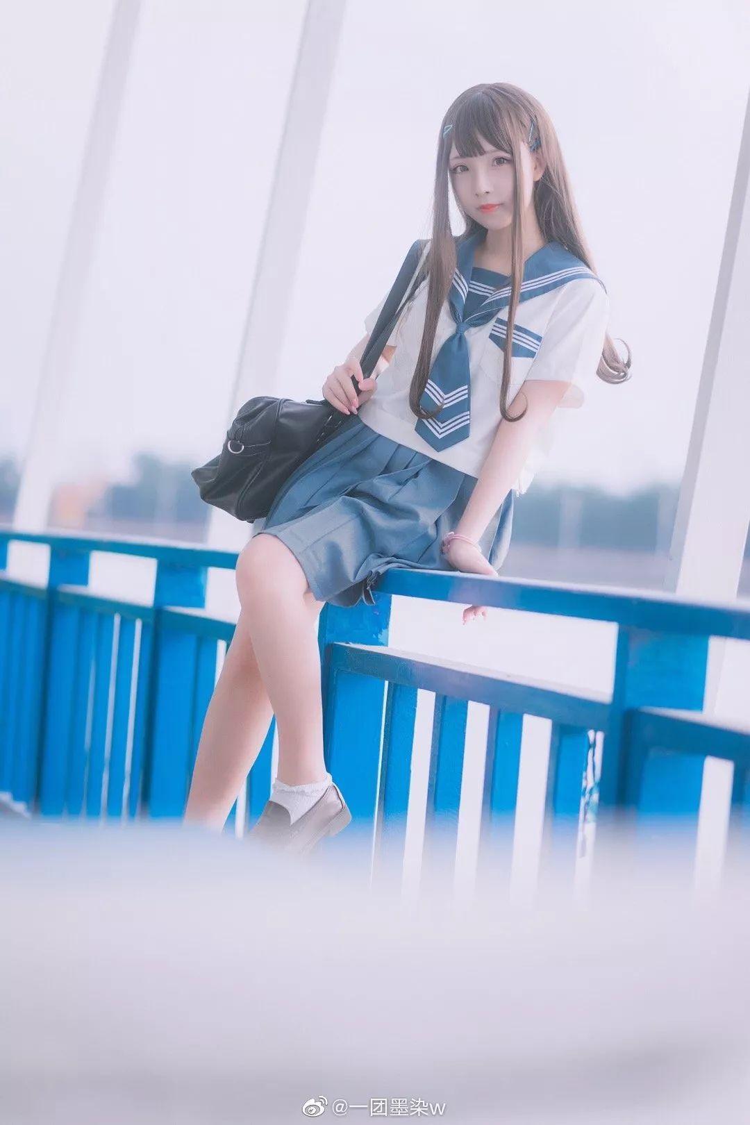 妹子摄影 – 白丝袜连衣裙少女和JK制服元气女孩_图片 No.11