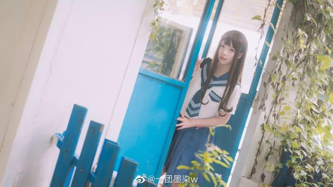 妹子摄影 – 白丝袜连衣裙少女和JK制服元气女孩_图片 No.15