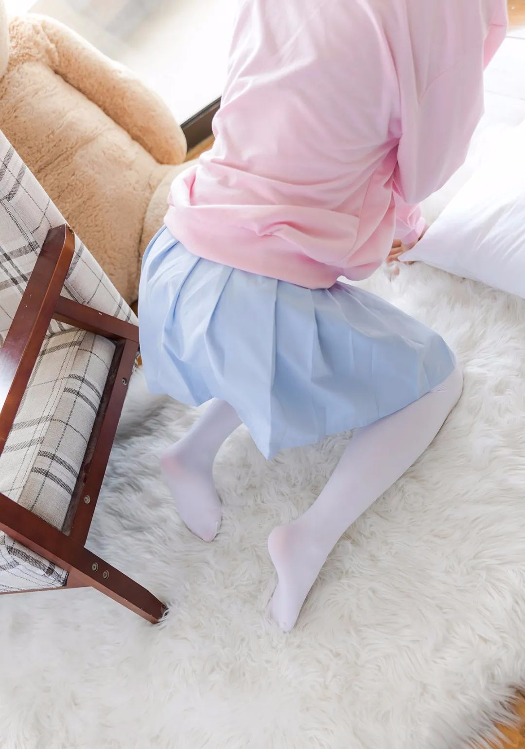 妹子摄影 – 双马尾粉色卫衣 白丝袜小短裙迷你少女_图片 No.8