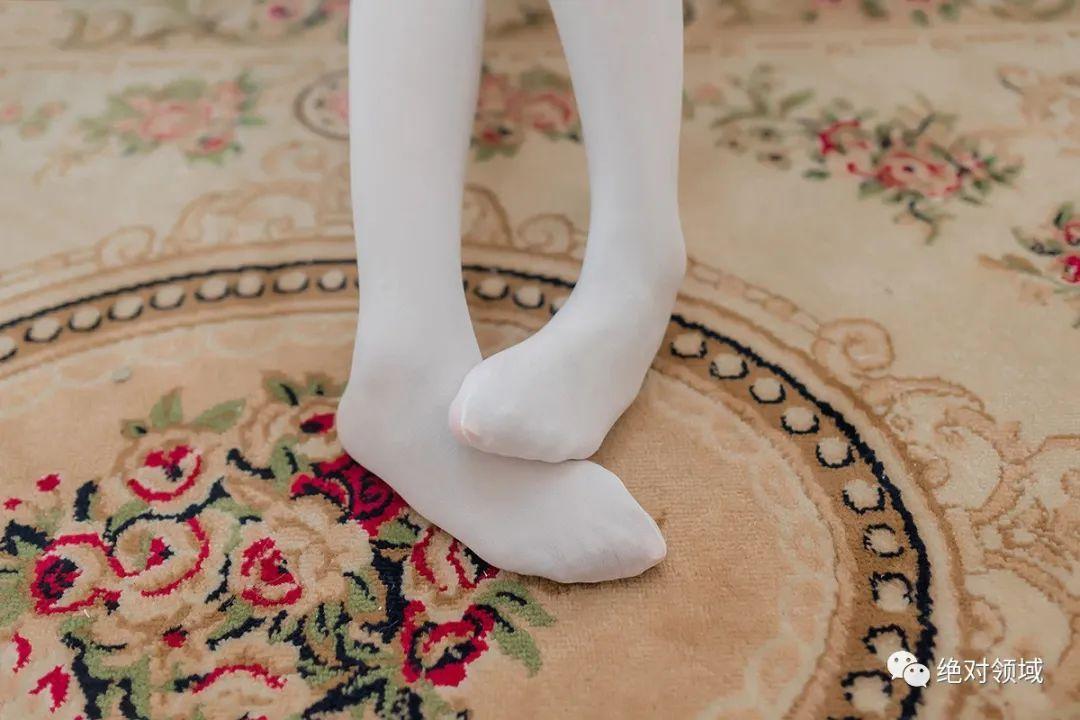 妹子摄影 – JK制服白丝袜,少女的绝对领域太出彩了!_图片 No.5