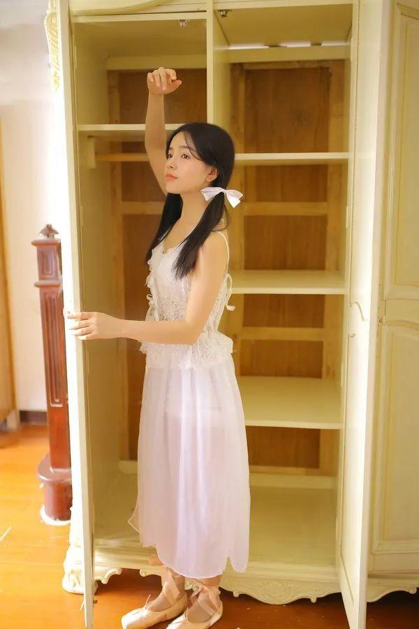 妹子摄影- 纯白连衣裙双马尾女孩,像个优雅的公主!_图片 No.7