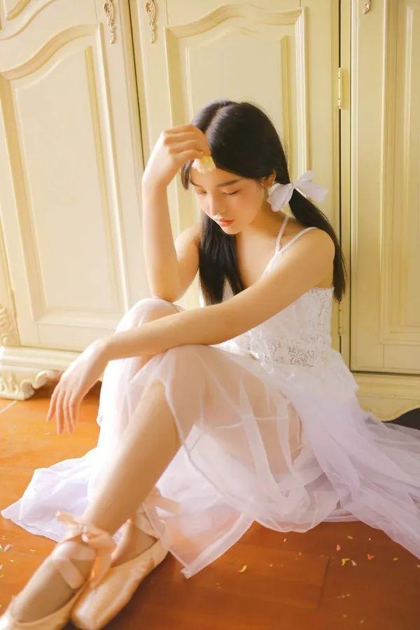 妹子摄影- 纯白连衣裙双马尾女孩,像个优雅的公主!_图片 No.9