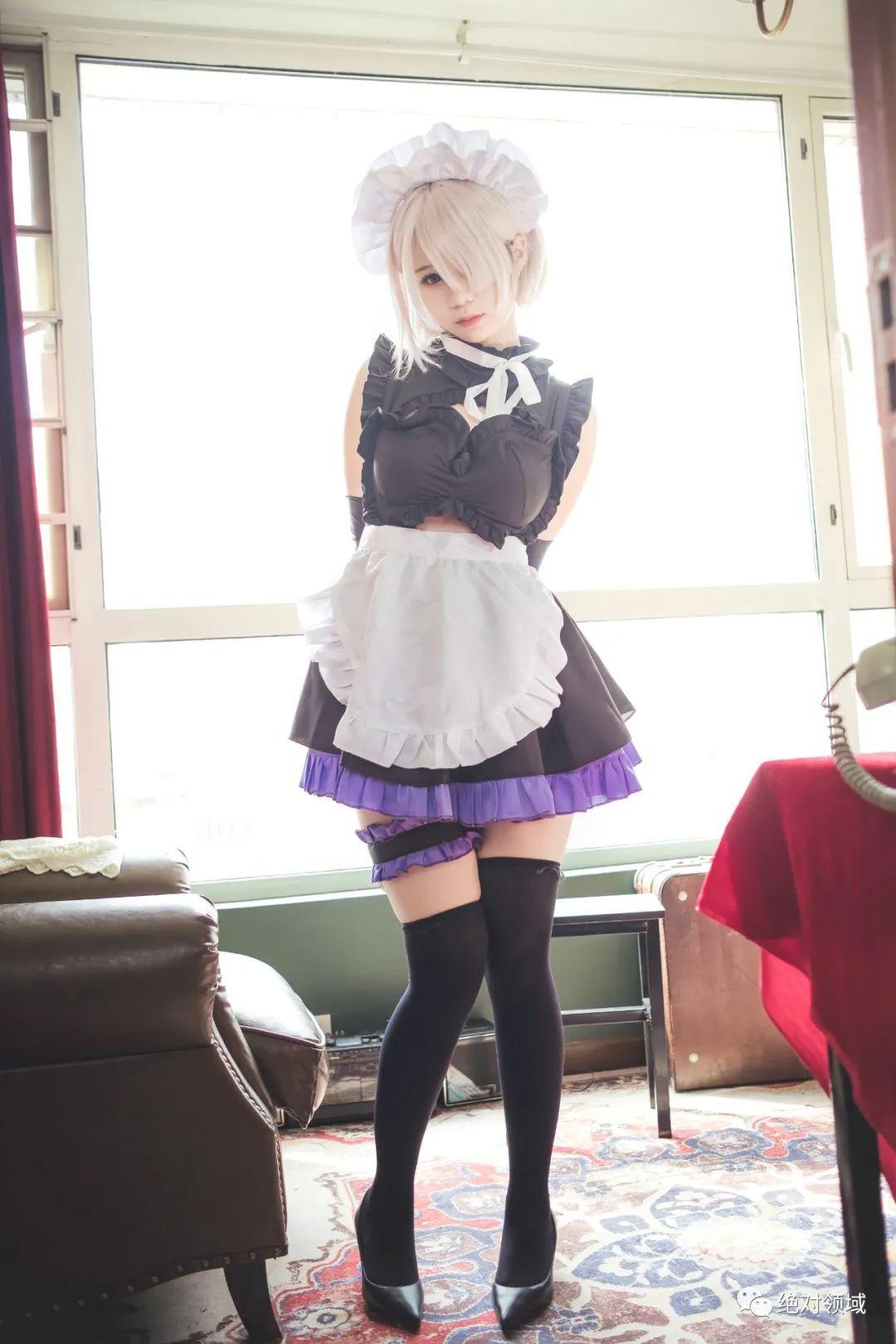 妹子摄影 – 黑丝高跟鞋女仆装,冷艳小姐姐绝对领域又白又刺激_图片 No.1