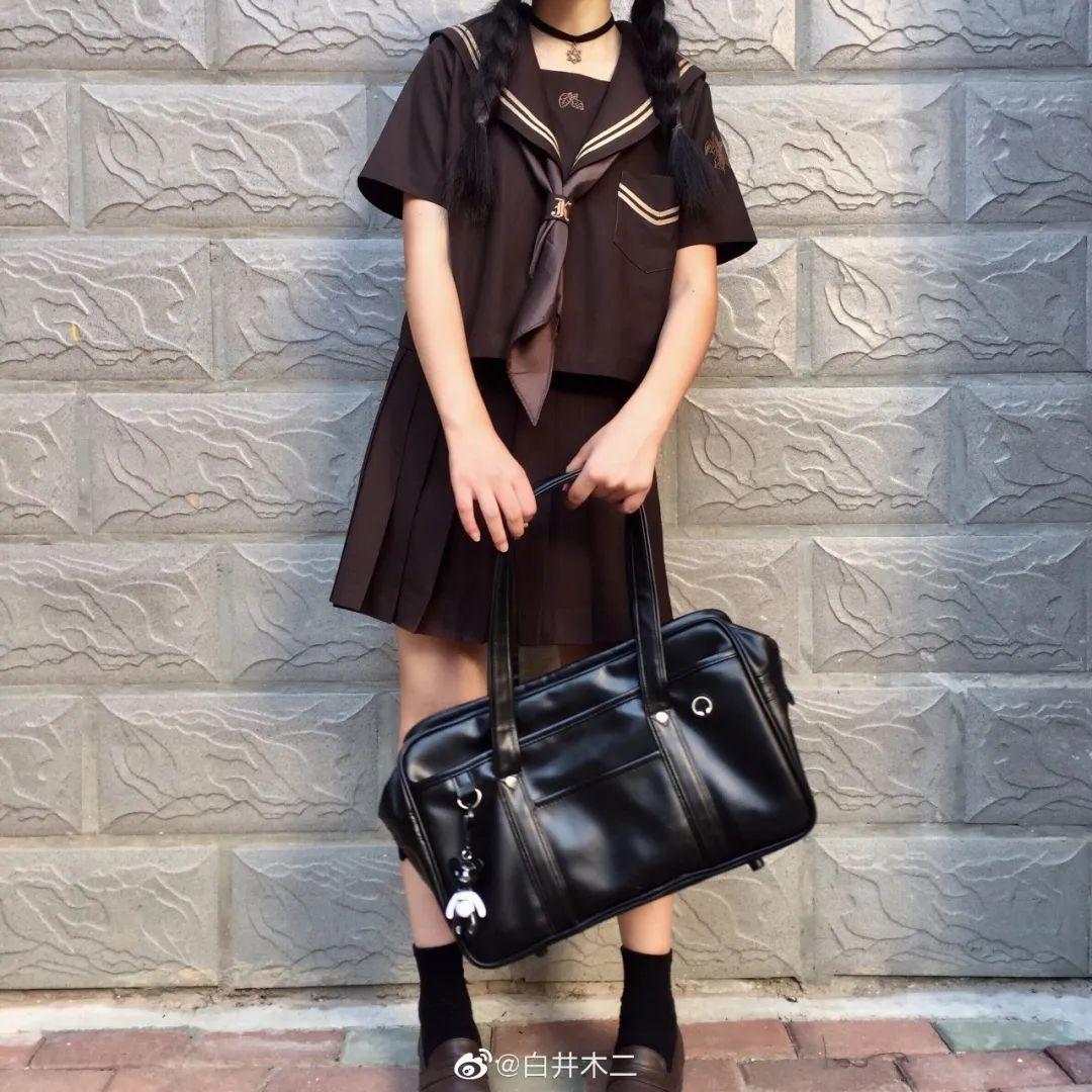 妹子摄影 – 黑色JK制服小裙子的梨涡少女@白井木二_图片 No.6