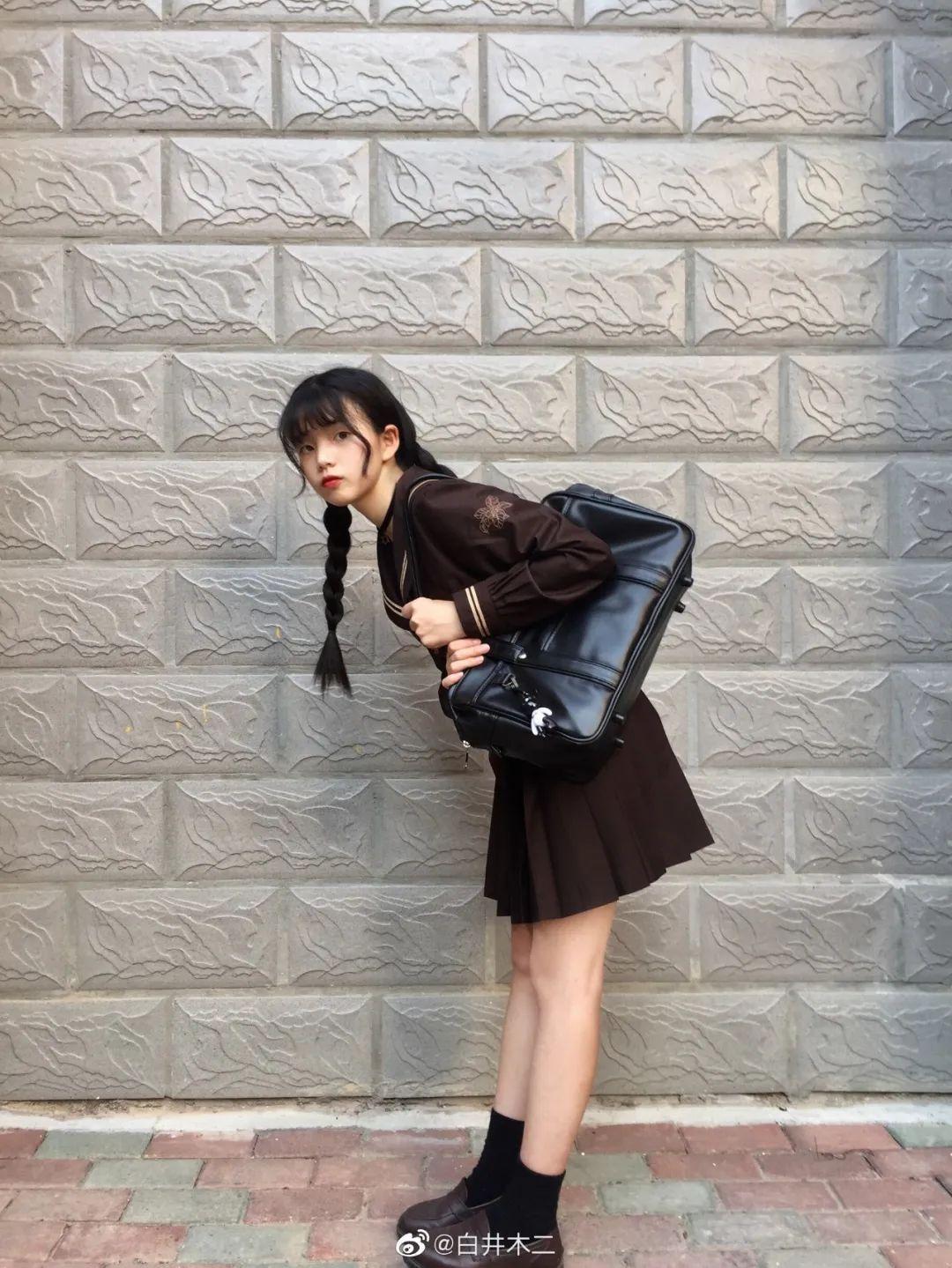 妹子摄影 – 黑色JK制服小裙子的梨涡少女@白井木二_图片 No.8